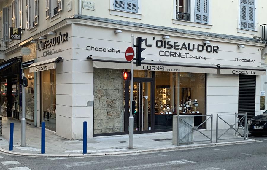 L'OISEAU D'OR Façade Nice rue Hôtel des postes